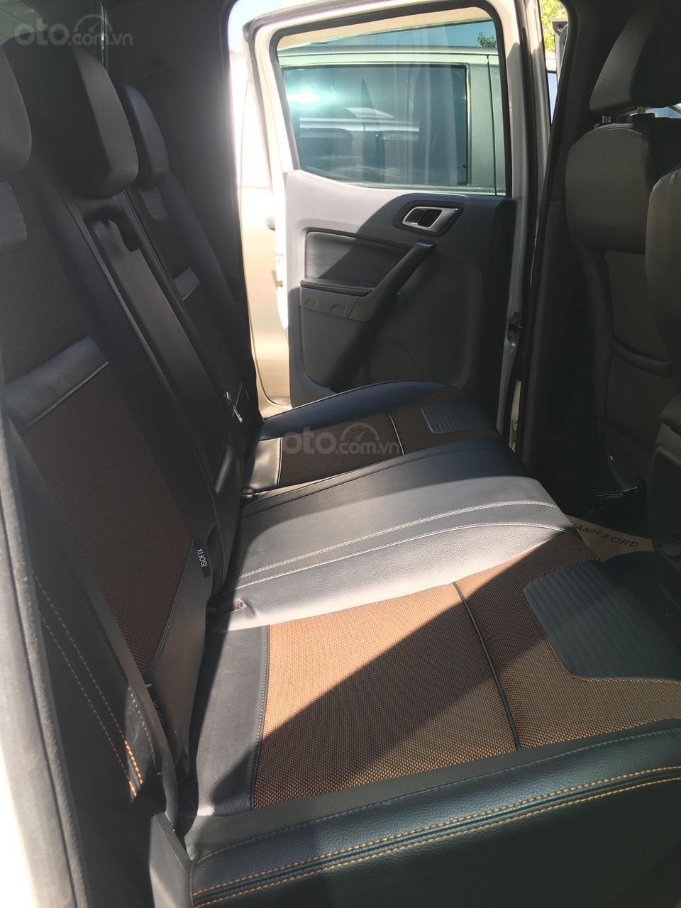 Bán xe Ford Ranger Wildtrak 3.2L đời 2015, màu trắng, xe nhập, giá chỉ 720 triệu (6)