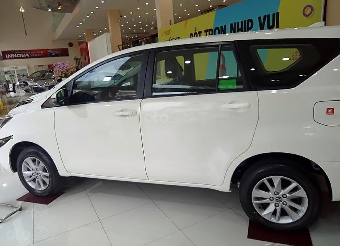 Bán xe Toyota Innova E MT đời 2019, màu trắng-3
