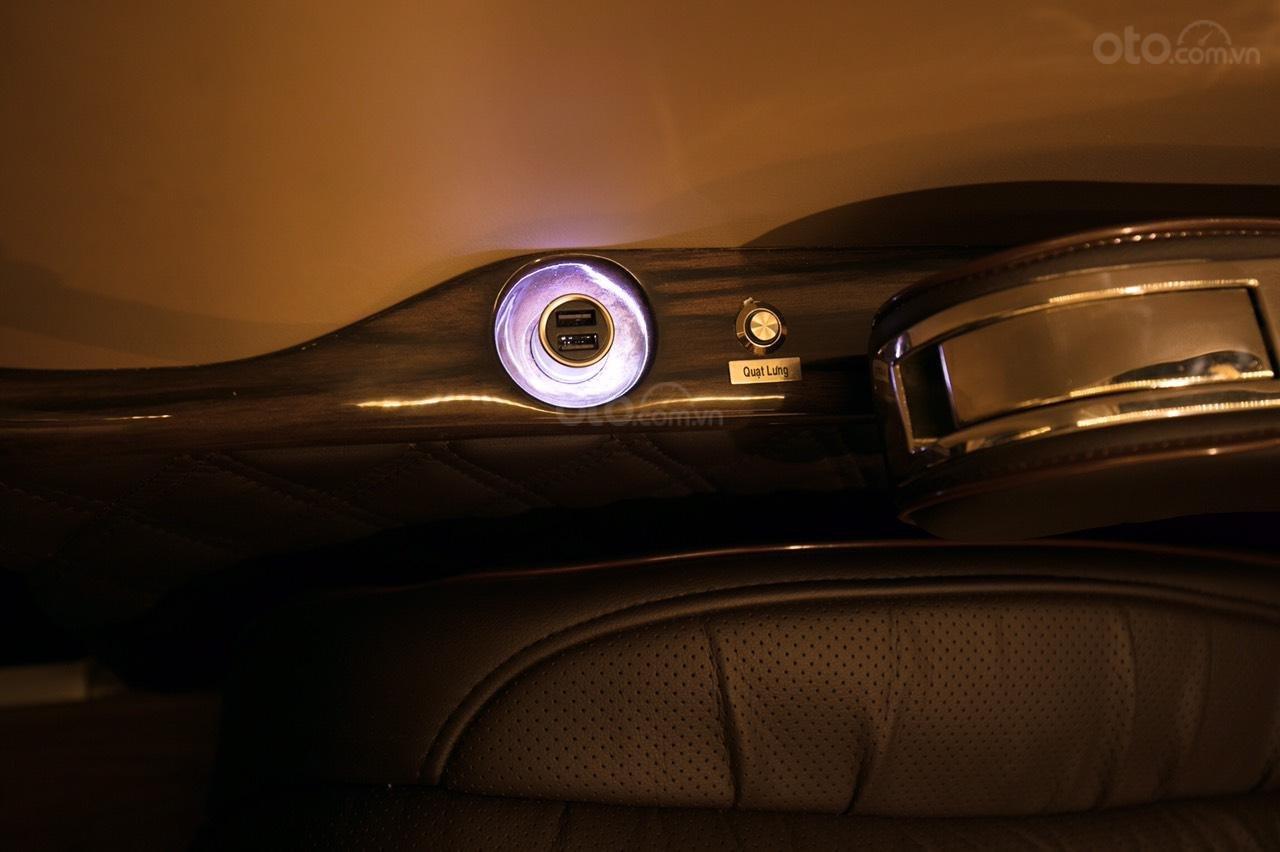 Bán Ford Limousine 10 chỗ xả hàng giảm 100 triệu, liên hệ 0933834796 (5)