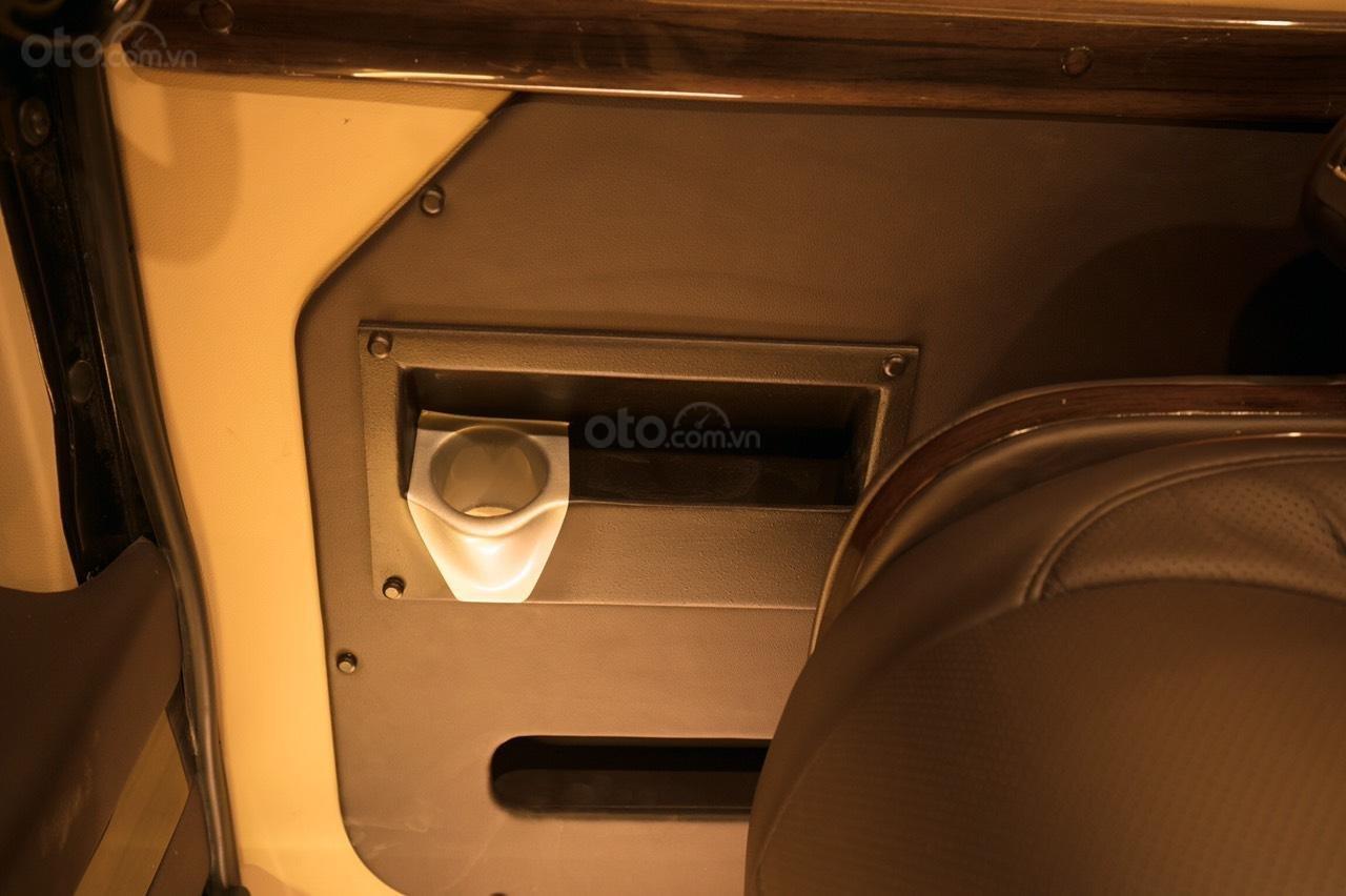 Bán Ford Limousine 10 chỗ xả hàng giảm 100 triệu, liên hệ 0933834796 (12)