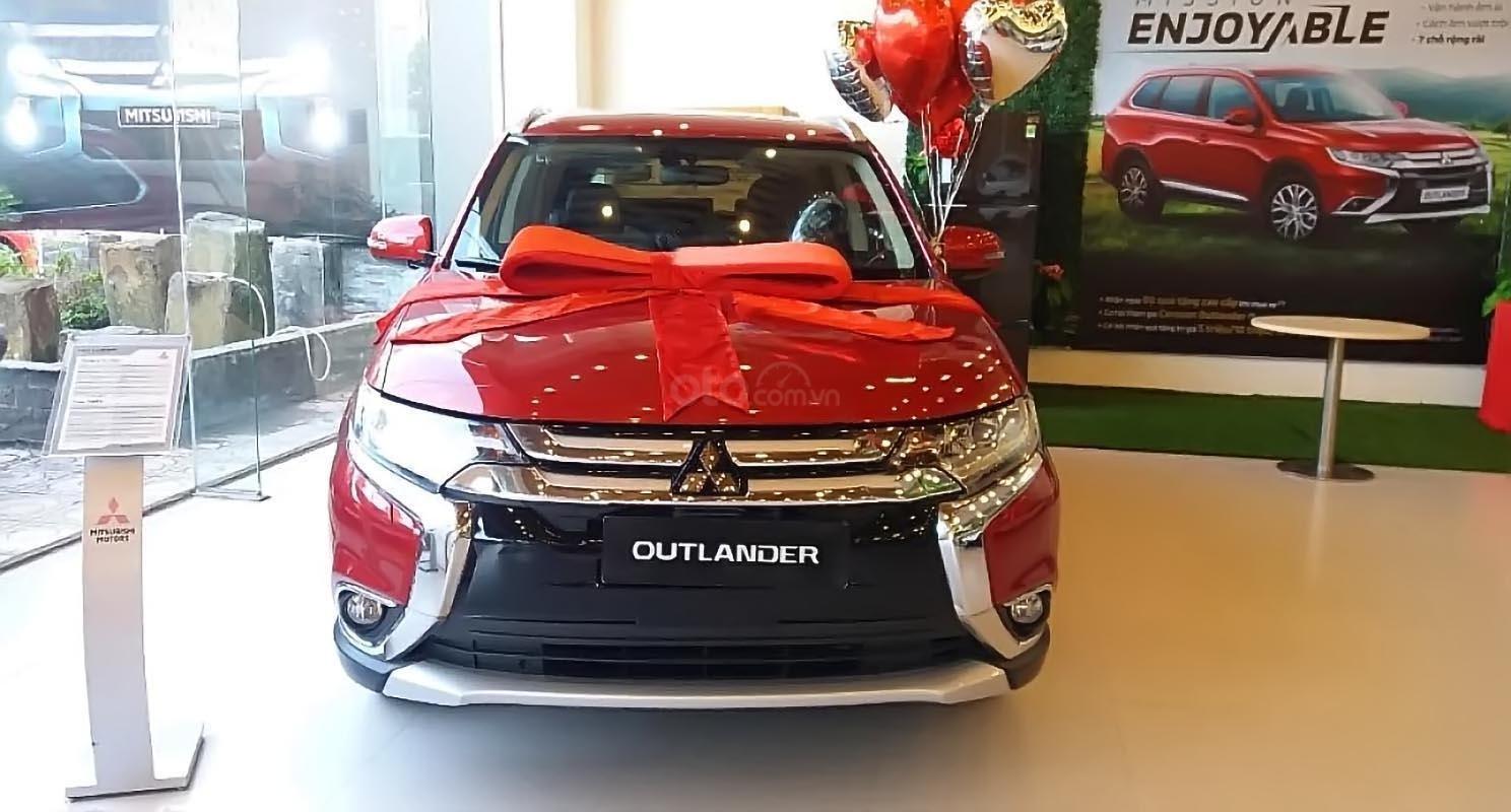 Bán xe Mitsubishi Outlander 2.0 CVT Premium năm sản xuất 2019, màu đỏ giá cạnh tranh (1)