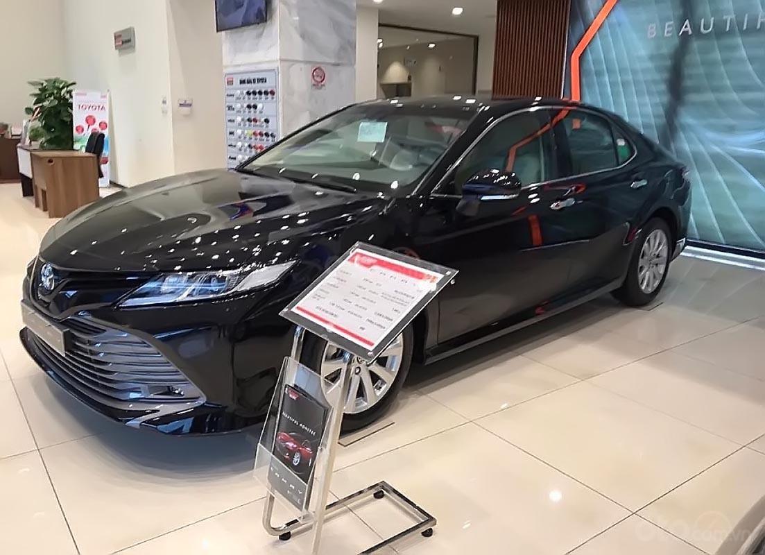 Cần bán xe Toyota Camry 2.0G sản xuất 2019, nhập khẩu Thái Lan (1)