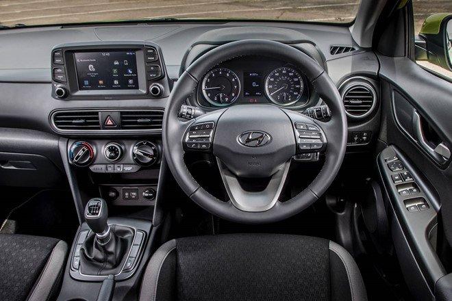 Hyundai Kona Play trang bị nhiều tiện nghi nội thất hiện đại
