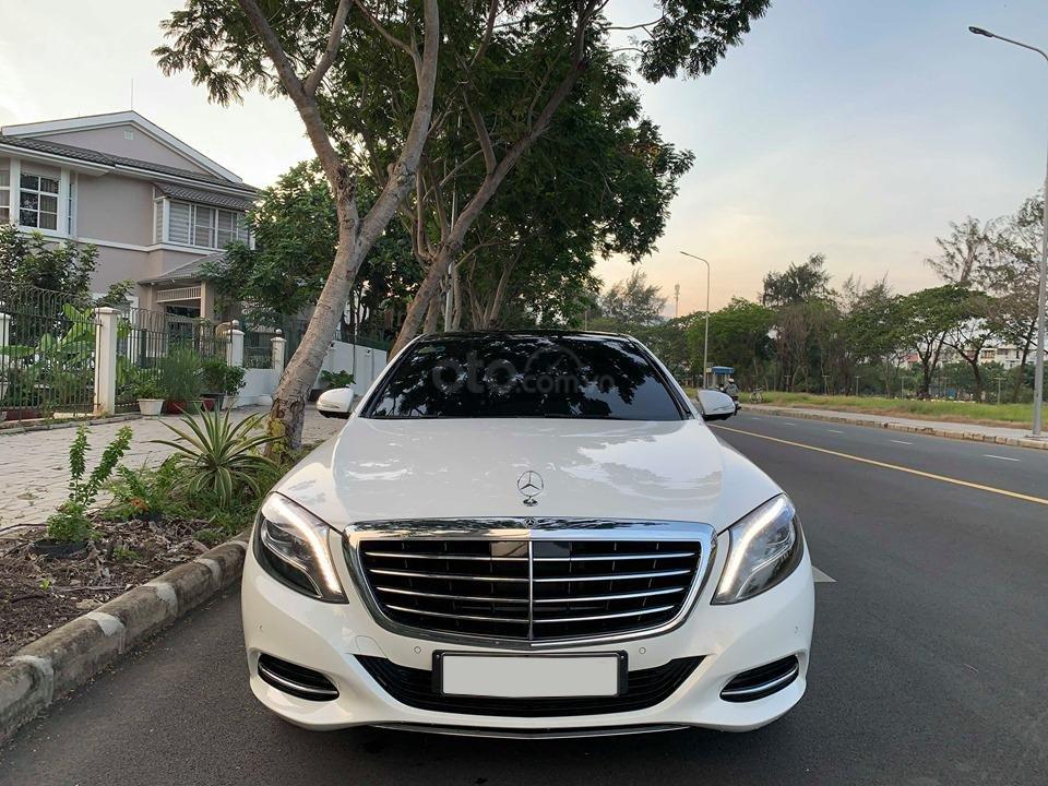 Chính chủ  bán xe Mercedes S400L đời 2017, màu trắng, xe đi ít, giá tốt-0