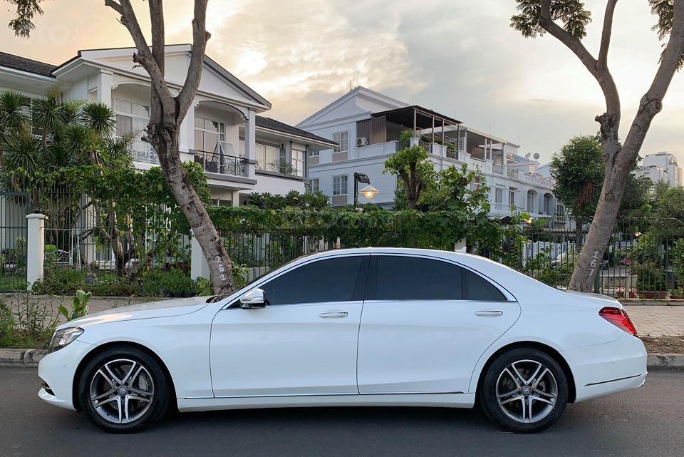 Chính chủ  bán xe Mercedes S400L đời 2017, màu trắng, xe đi ít, giá tốt-1