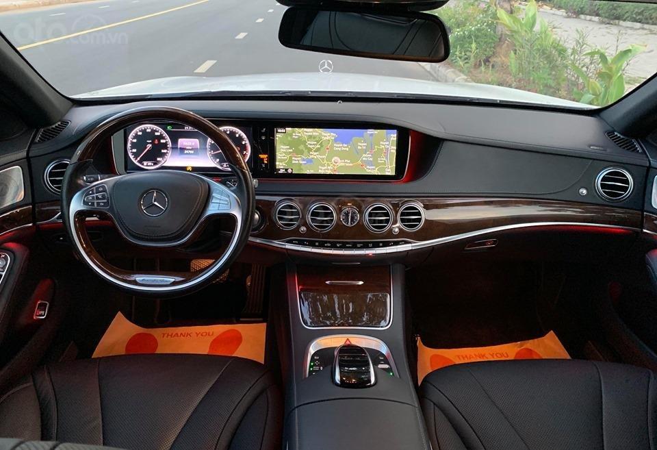 Chính chủ  bán xe Mercedes S400L đời 2017, màu trắng, xe đi ít, giá tốt-3