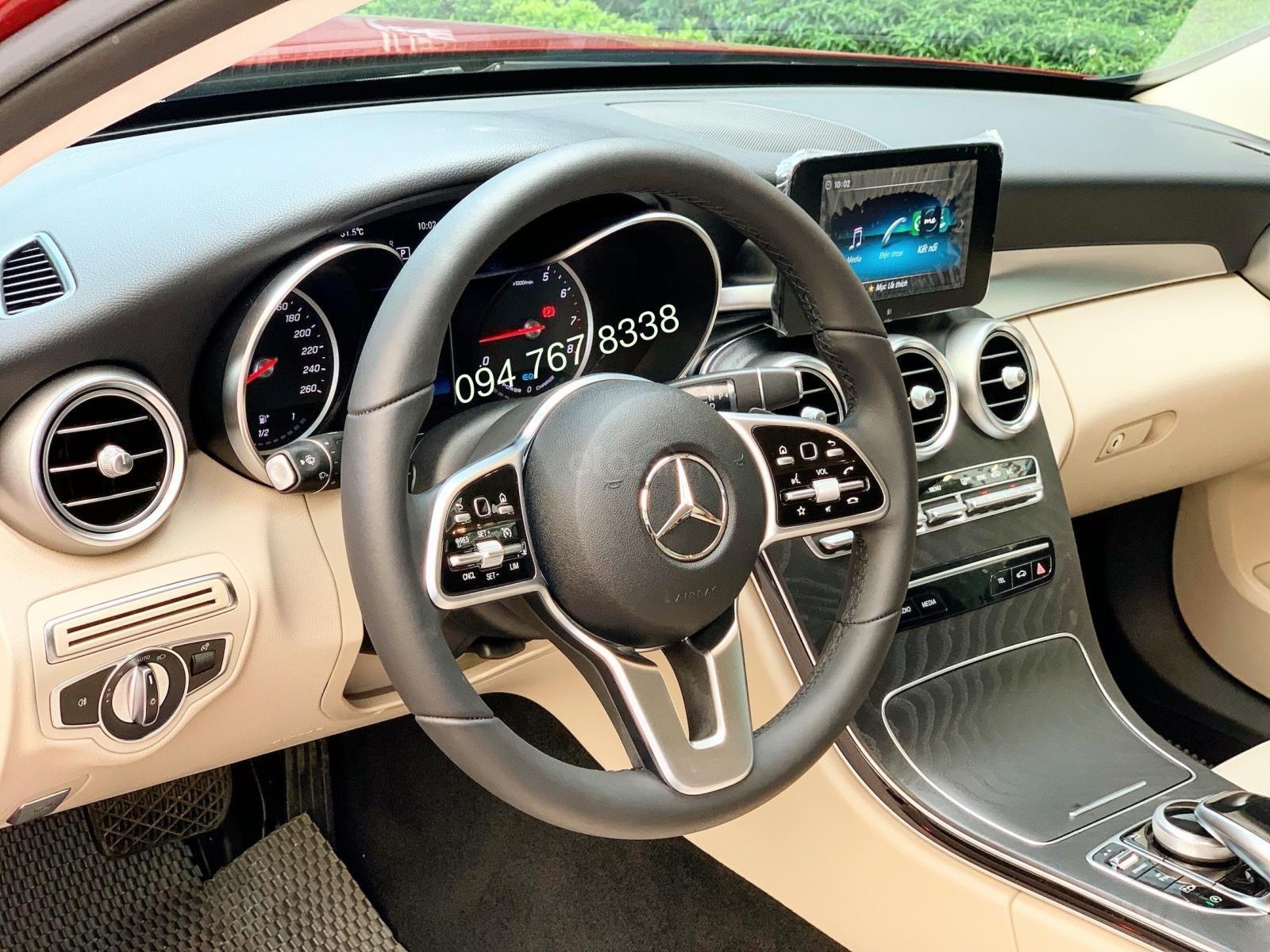 Cần bán gấp Mercedes C200 2019, màu đỏ, chạy lướt giá cực tốt (6)