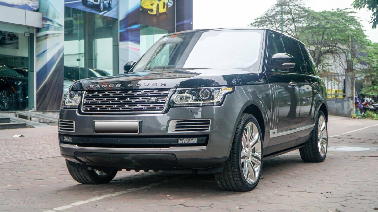Bán LandRover Range Rover SV Autobiography 5.0 đời 2016, hai màu xám đen, lướt 1v7 km (2)