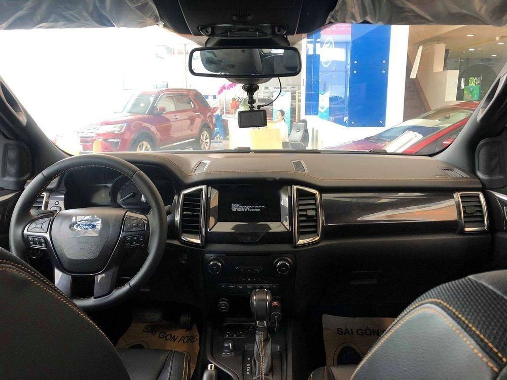 Bán Ford Ranger đời 2019, màu trắng, nhập khẩu (2)