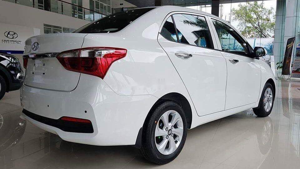 Cần bán Hyundai Grand i10 sản xuất năm 2019, màu trắng (4)