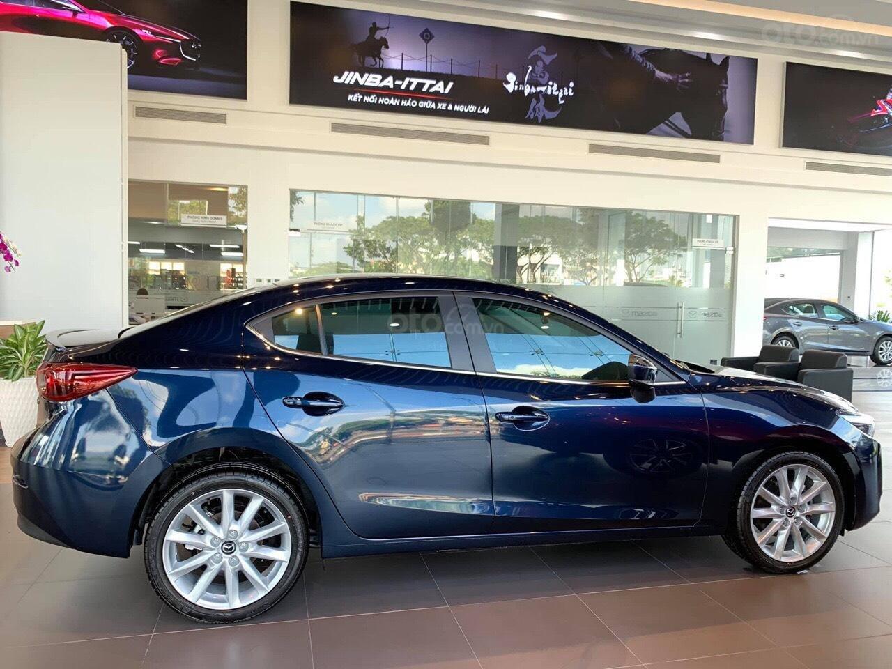 Bán xe Mazda 3 xanh đen 2019 - Tặng gói bảo dưỡng miễn phí - Hỗ trợ trả góp 80% (3)