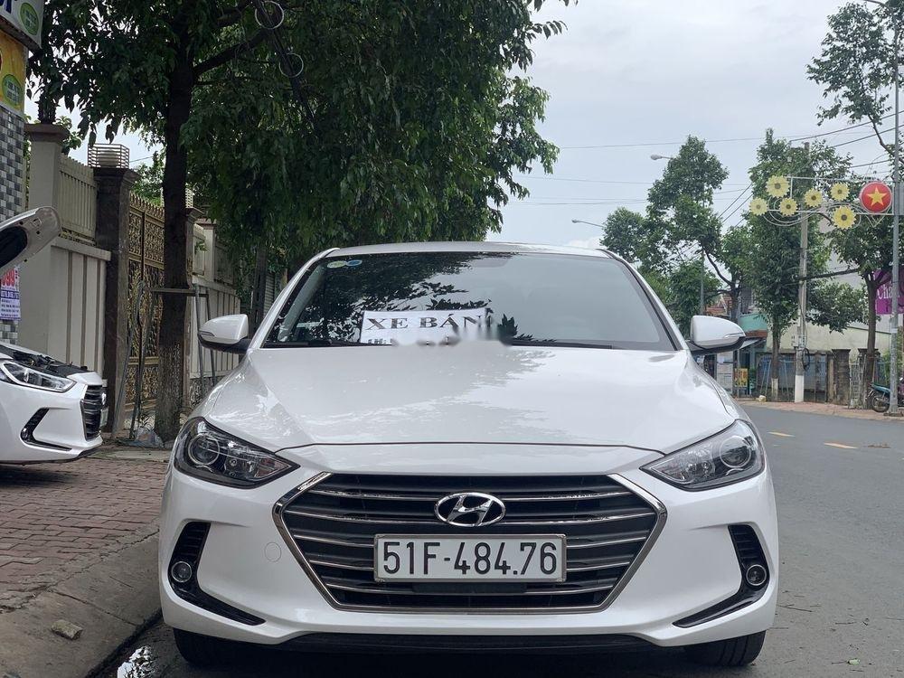Bán Hyundai Elantra 1.6MT sản xuất năm 2017, màu trắng số sàn (1)