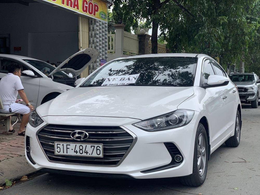 Bán Hyundai Elantra 1.6MT sản xuất năm 2017, màu trắng số sàn (12)