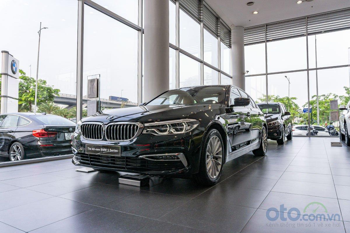 Đánh giá xe BMW 530i 2019.