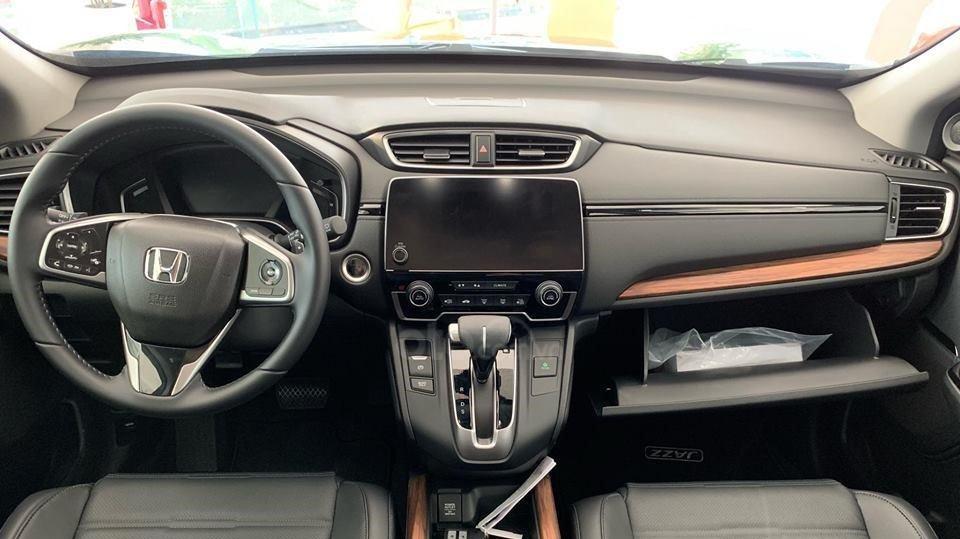 So sánh xe Subaru Forester 2019 và Honda CR-V 2019: Khoang nội thất xe Honda CR-V 1