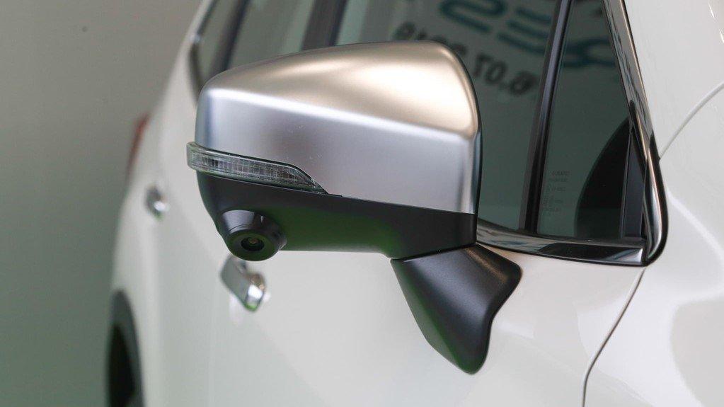 So sánh xe Subaru Forester 2019 và Honda CR-V 2019: Gương chiếu hậu Forester a1
