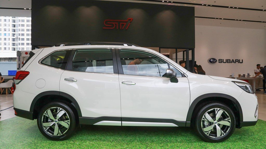 So sánh xe Subaru Forester 2019 và Honda CR-V 2019: Thân xe Forester a1