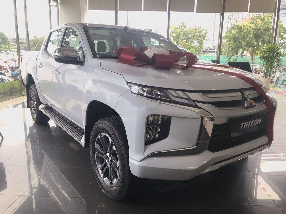 Bán xe Mitsubishi Triton năm 2019, màu trắng, nhập khẩu nguyên chiếc (3)
