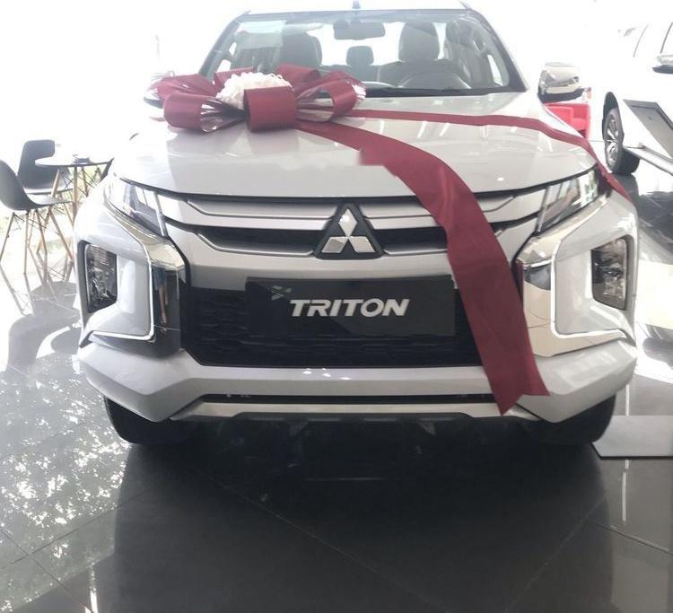 Bán xe Mitsubishi Triton năm 2019, màu trắng, nhập khẩu nguyên chiếc (1)