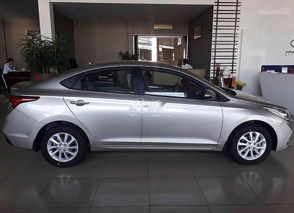 Bán xe Hyundai Accent 2019, nhập khẩu, giao ngay (1)