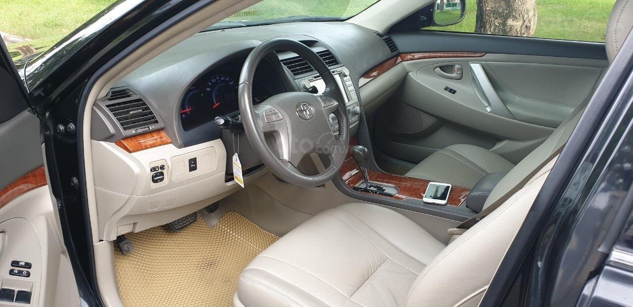 Bán Toyota Camry 2.4G đời 2011, màu đen (6)
