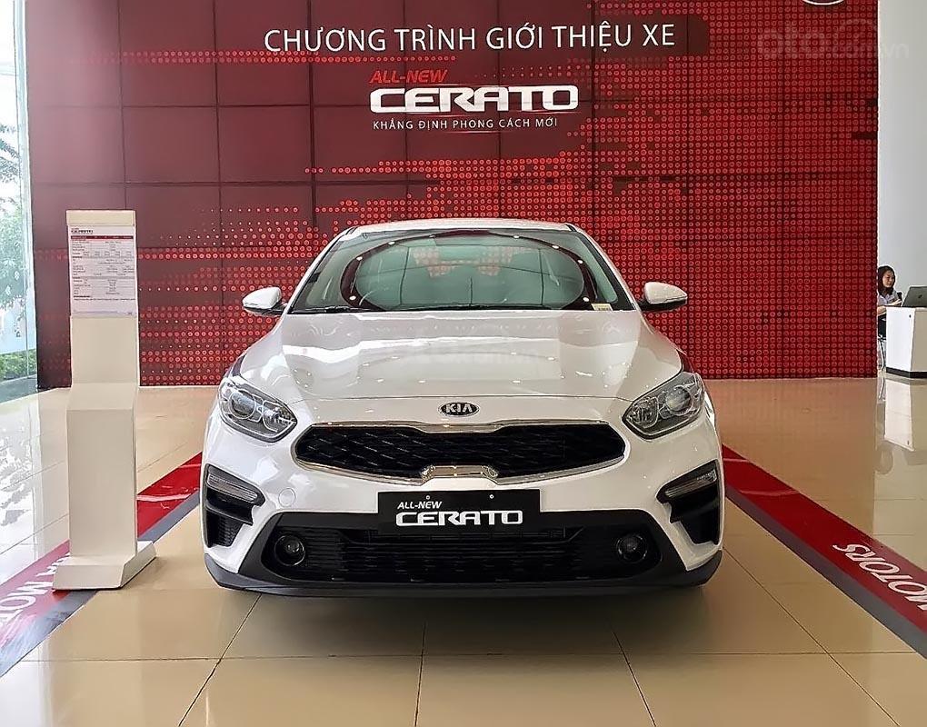 Bán Kia Cerato 1.6 MT đời 2018, màu trắng (1)