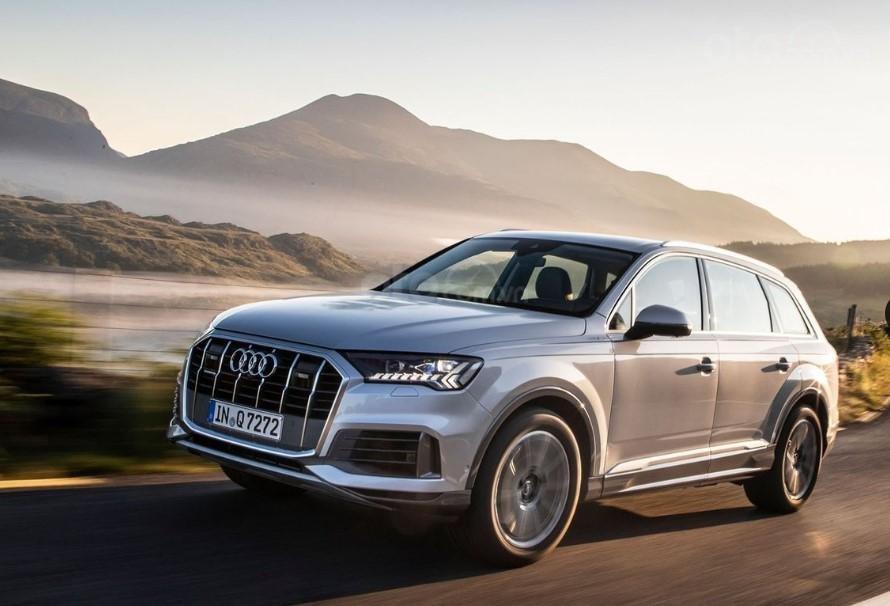 Audi Q7 2020 đang chạy 1