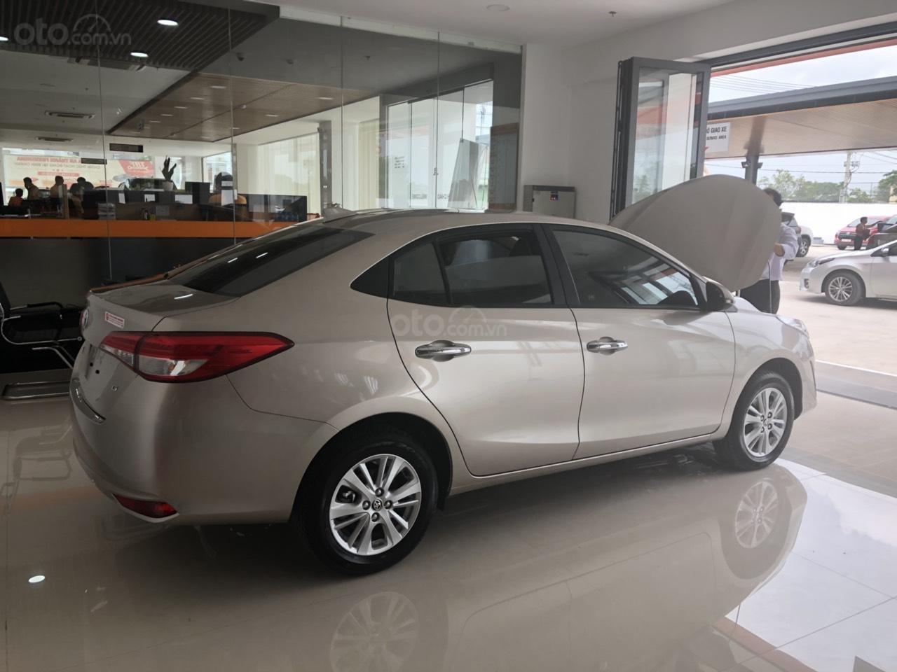 Bán Toyota Vios 1.5G cao cấp màu nâu vàng - giao xe ngay (2)