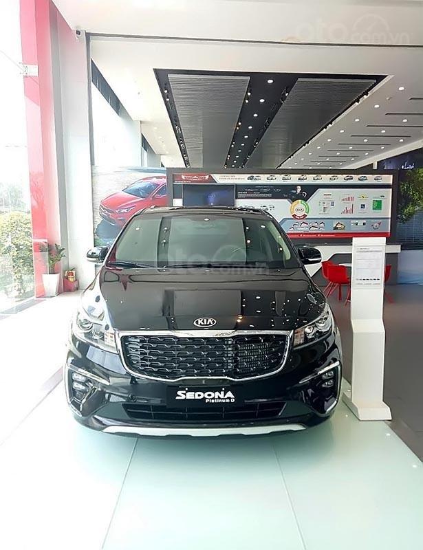 Bán Kia Sedona Platinum D năm sản xuất 2019, màu đen (2)