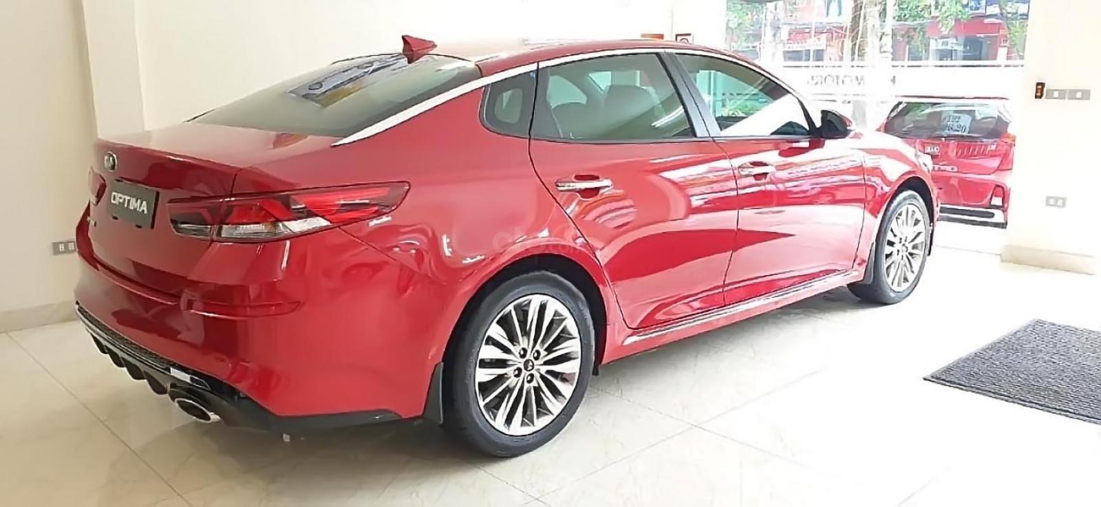 Cần bán Kia Optima 2.0 AT 2019, màu đỏ, giá 789tr (1)