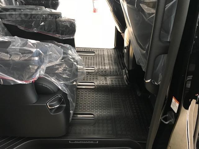Bán Toyota Alphard năm sản xuất 2019, màu đen, nhập khẩu nguyên chiếc (6)