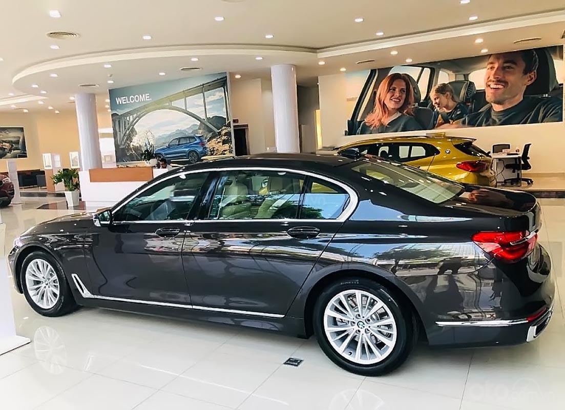 Bán xe BMW 730Li 2019, màu đen, nhập khẩu  (2)