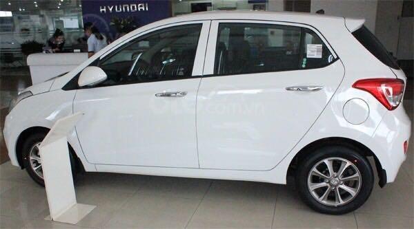 Bán Hyundai Grand i10 sản xuất 2019, màu trắng xe nhập, giá chỉ 350 triệu đồng (4)