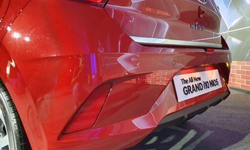 Hyundai Grand i10 2020 và hiện hành khác nhau thế nào qua ảnh? a17