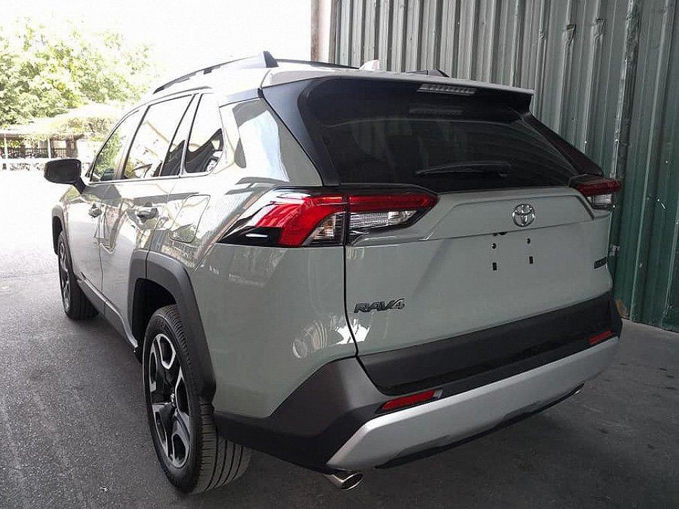 Toyota RAV4 2019 về Việt Nam, đắt gấp đôi Honda CR-V, Mazda CX-5 a2