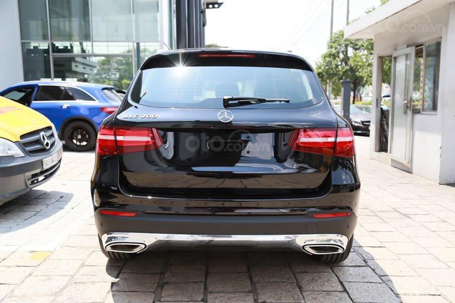 Đăng ký ưu đãi 100% thuế TB, giá Mercedes GLC 200 2019 màu đen Obsidian, số lượng áp dụng có hạn (4)