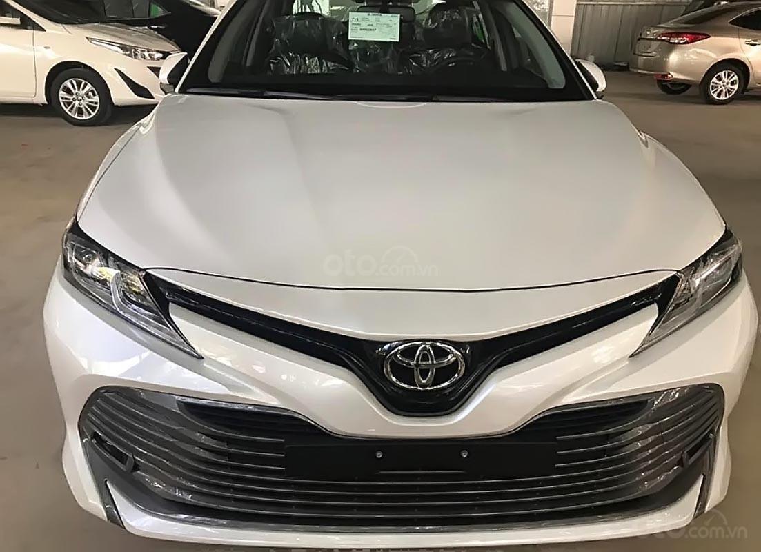 Bán Toyota Camry 2.0G 2019 - Xe mới 100%, nhập khẩu Thái Lan, có xe giao ngay (1)