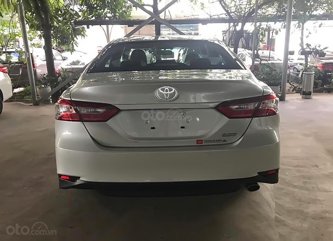 Bán Toyota Camry 2.0G 2019 - Xe mới 100%, nhập khẩu Thái Lan, có xe giao ngay (2)