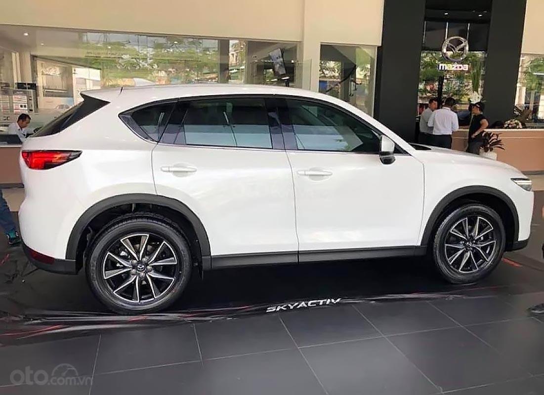 Bán Mazda CX 5 2.0 AT đời 2019, màu trắng, giá chỉ 899 triệu (2)