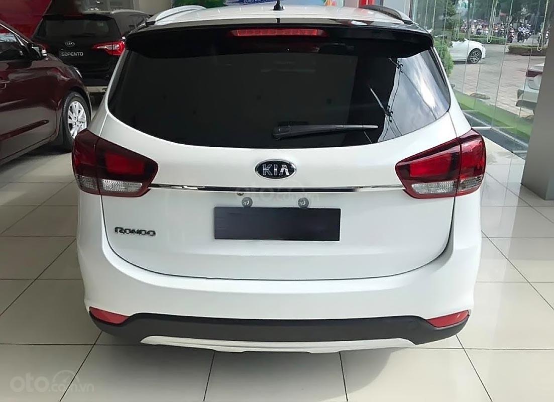 Bán xe Kia Rondo GAT sản xuất 2019, ưu đãi siêu hấp dẫn (2)
