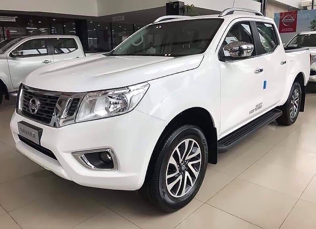 Bán Nissan Navara EL 2.5 AT 2WD sản xuất 2019, màu trắng, nhập khẩu, 679 triệu (1)