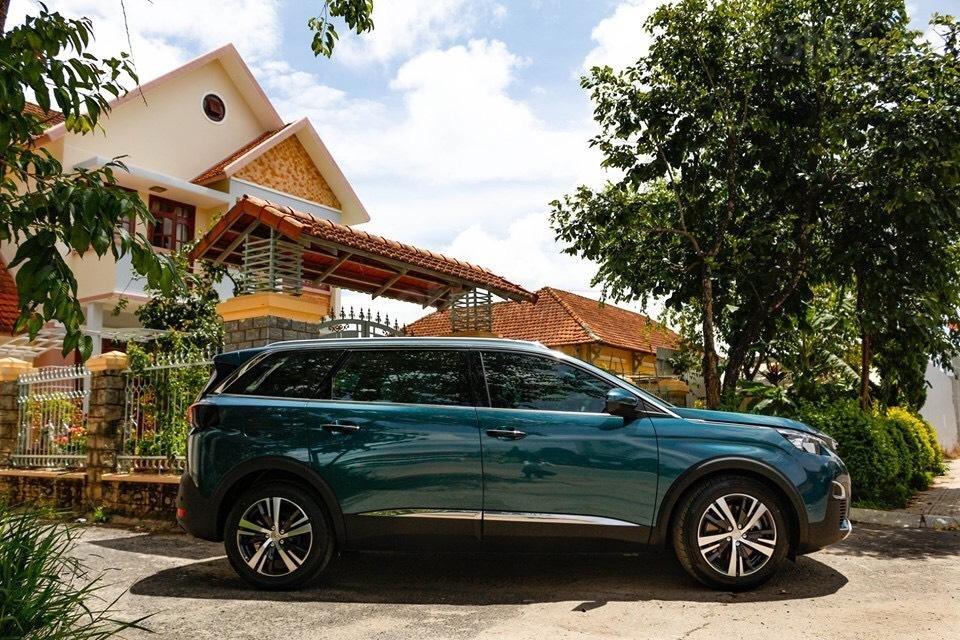 Peugeot 5008 đủ màu giao ngay, hỗ trợ ngân hàng lãi suất thấp, nhanh gọn, lái thử và giao xe tận nhà (2)
