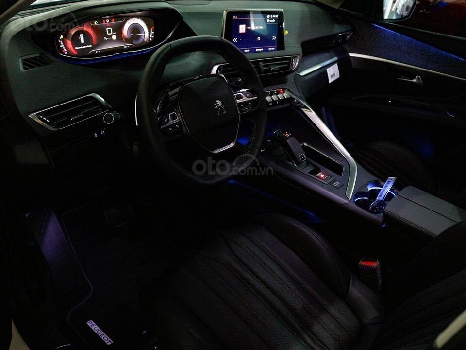 """Peugeot 5008 đủ màu """" đặc biệt có màu đỏ Utimate Red"""" giao xe ngay, hỗ trợ ngân hàng, tư vấn lái thử tân nhà (5)"""