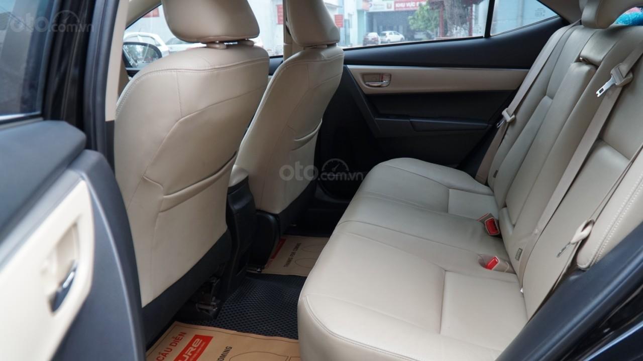 Bán xe Toyota Corolla Altis đời 2016, màu đen (4)