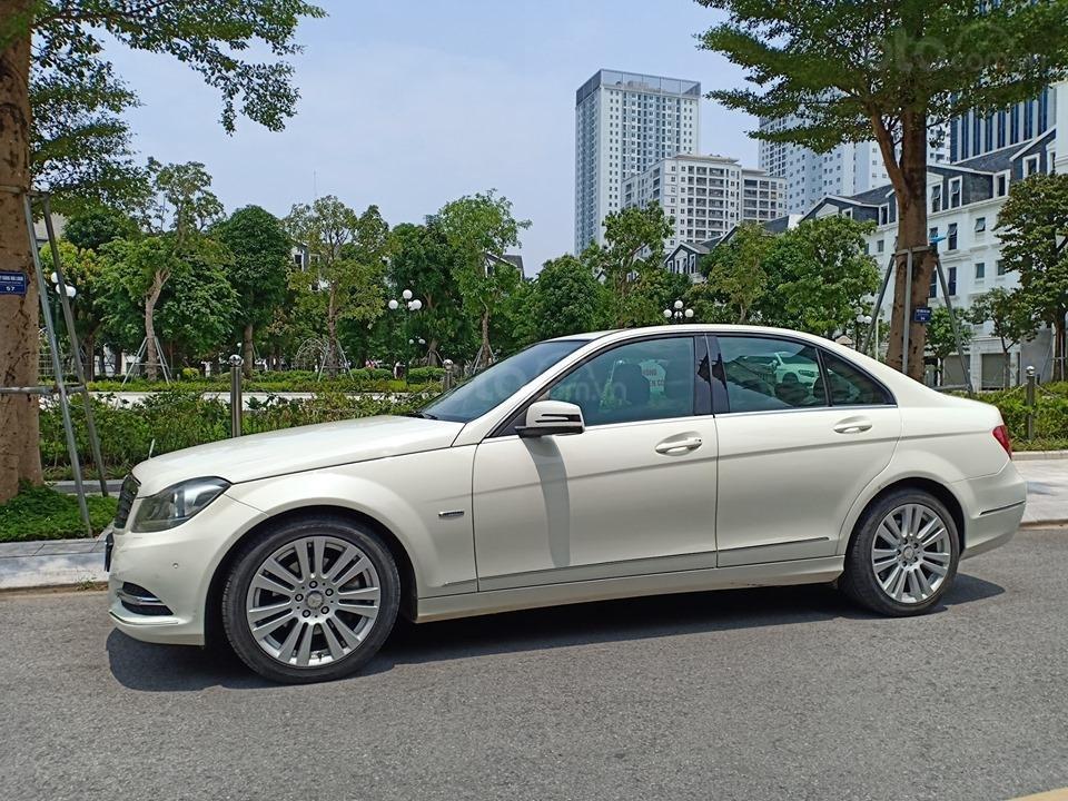Bán ô tô Mercedes C250 sản xuất 2011, màu trắng, giá tốt, xe cực đẹp (4)