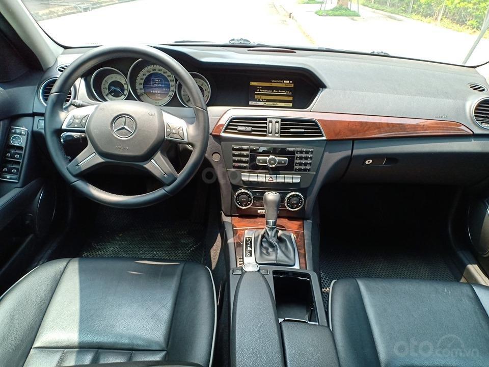 Bán ô tô Mercedes C250 sản xuất 2011, màu trắng, giá tốt, xe cực đẹp (9)