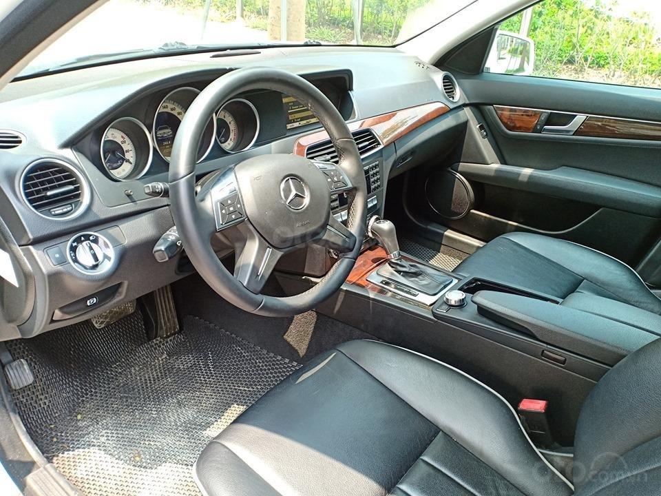 Bán ô tô Mercedes C250 sản xuất 2011, màu trắng, giá tốt, xe cực đẹp (11)