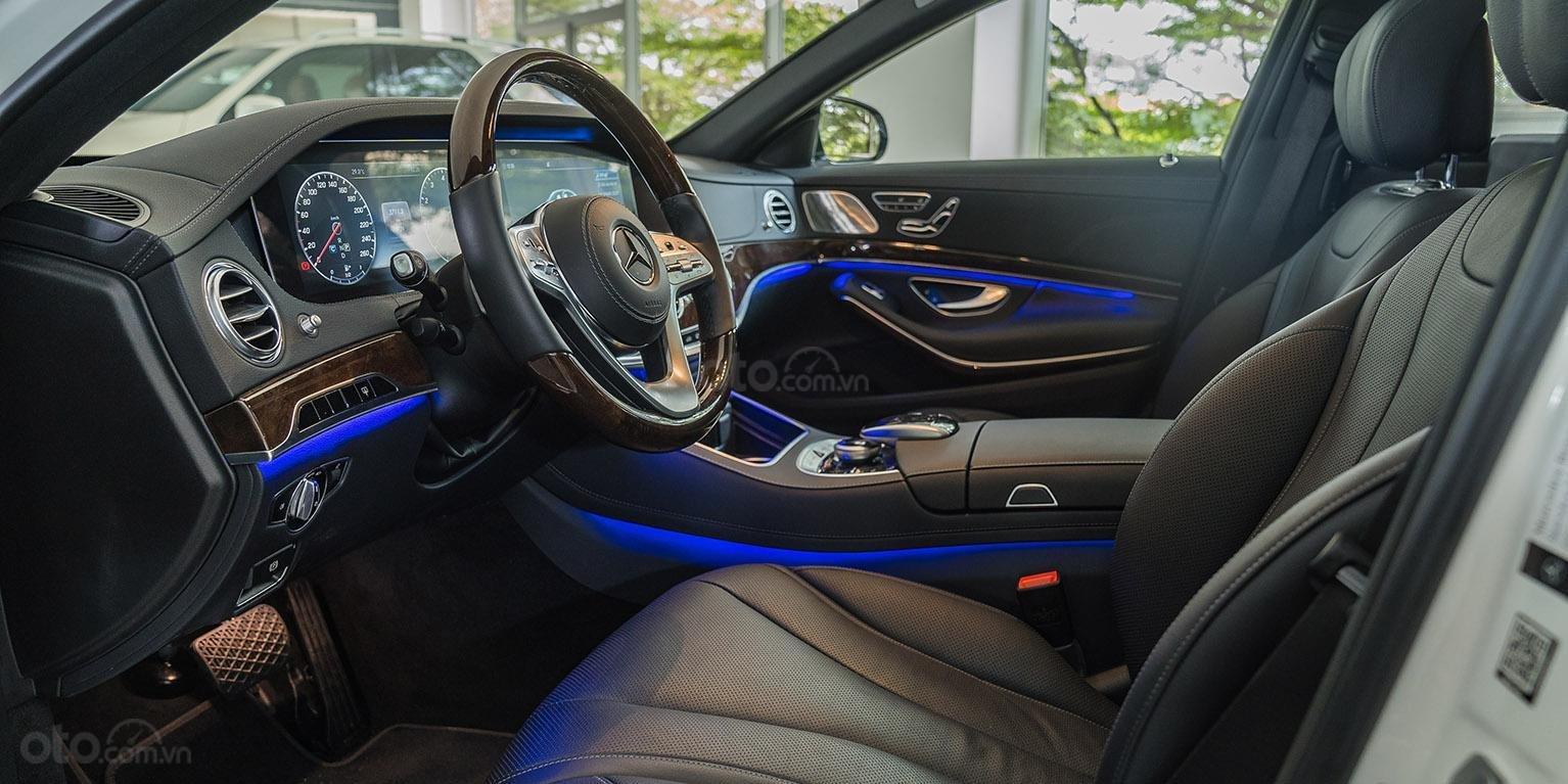 Bán Mercedes-Benz S450L 2018, trắng/đen, đi 3.800km, xe cũ đã qua sử dụng chính hãng-2