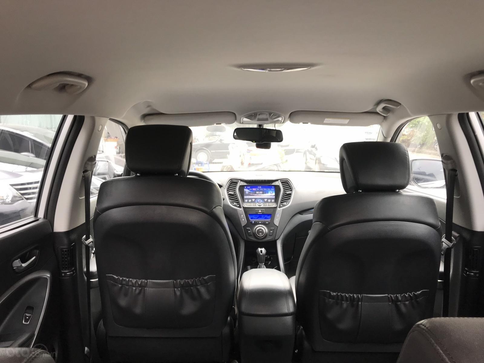 Cần bán Hyundai Santa Fe 2.4 AT năm sản xuất 2013, màu bạc, nhập khẩu nguyên chiếc (6)