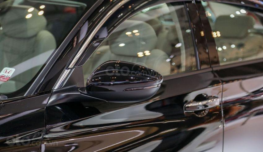 So sánh xe Honda Accord 2019 và đời cũ qua ảnh a13